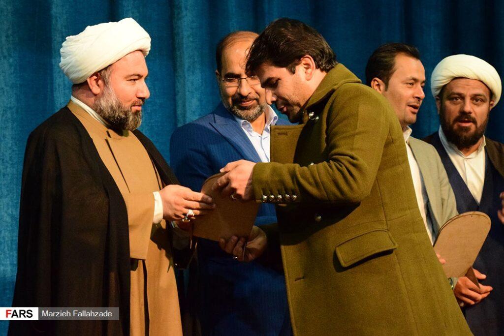 تجلیل از خادمین اربعین استان یزد و هنرمندان انقلابی در مهردشت